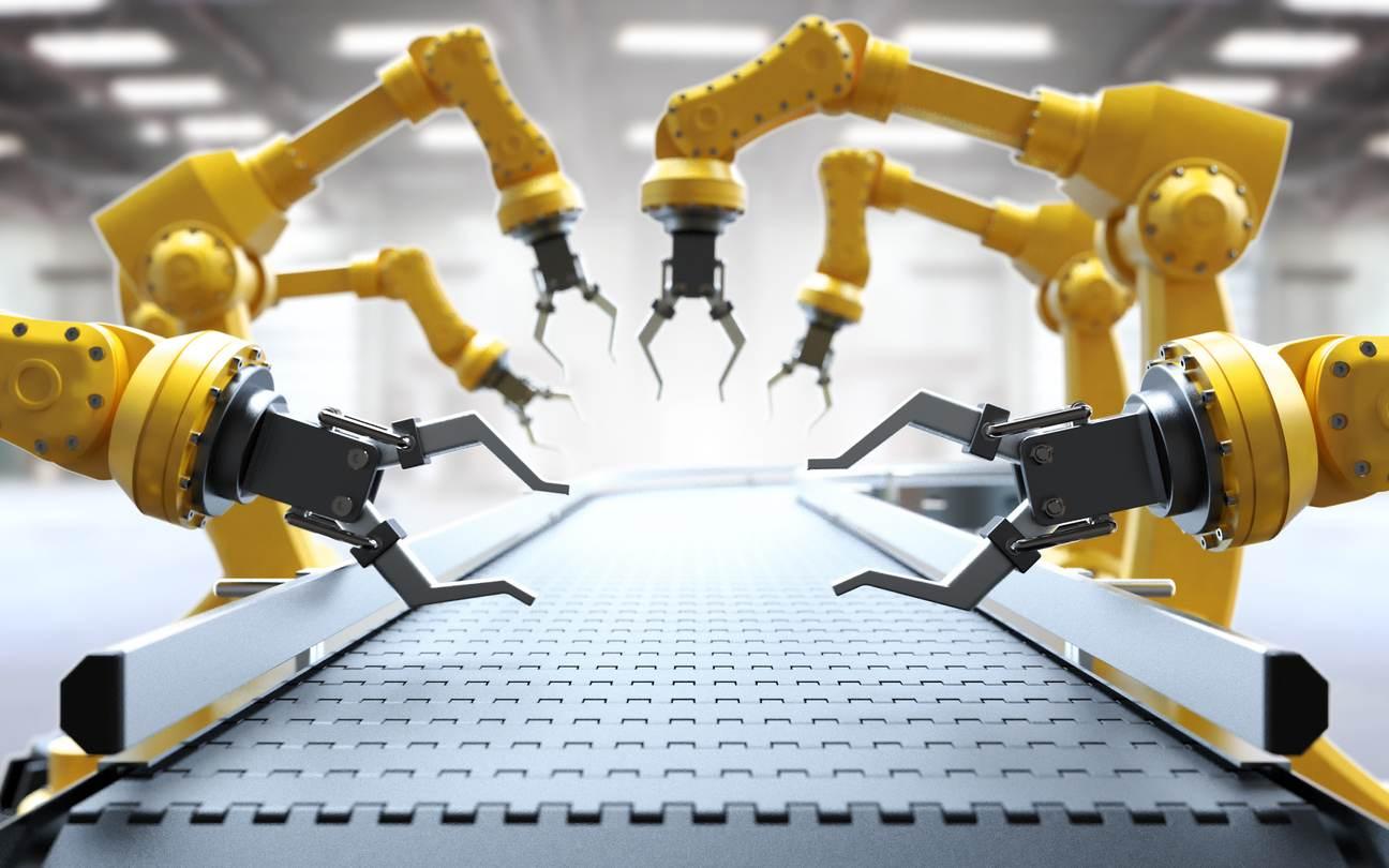 Manufacturing-automation-robots-around-a-converyor-belt
